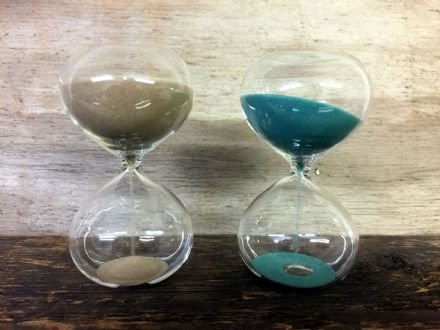 Decorative All Glass Egg Timer with Natural or Blue / Green Sand